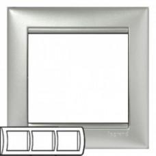 Рамка 3 поста горизонтально алюминий